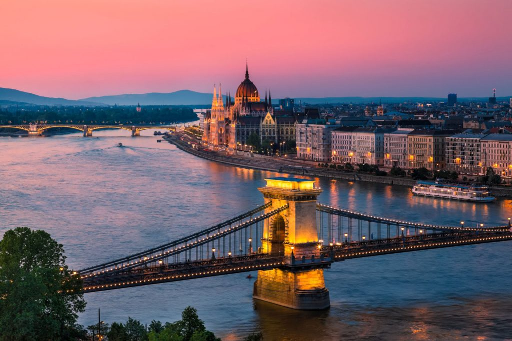 Romantic-Danube-River-Cruise-min-3